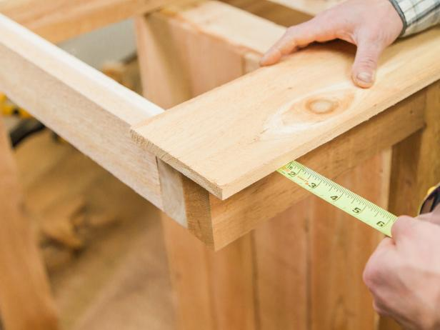 "Start with the front board and allow for a 1 ½"" overhang. Secure using the 1 ½-inch screws. You may need to rip the last board depending on your dimensions. Secure using the 1 ½-inch screws. You may need to rip the last board depending on your dimensions"