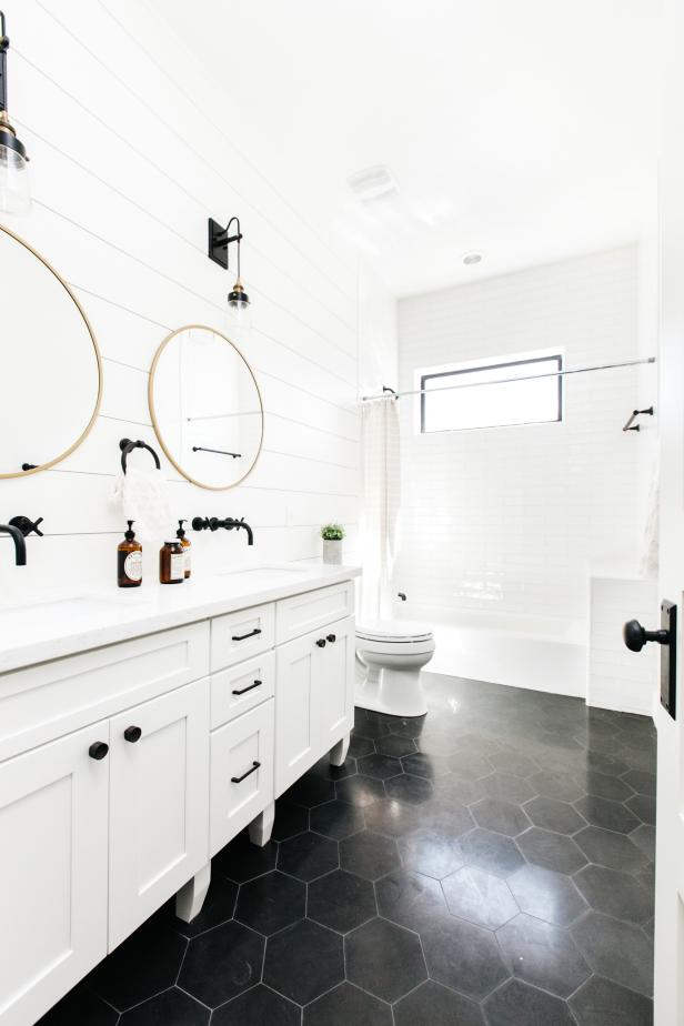 Guest Bathroom with Dramatic Contrast