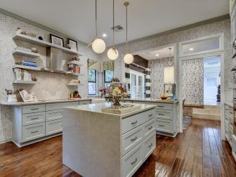 Midcentury Modern Kitchen With Pattern Wallpaper