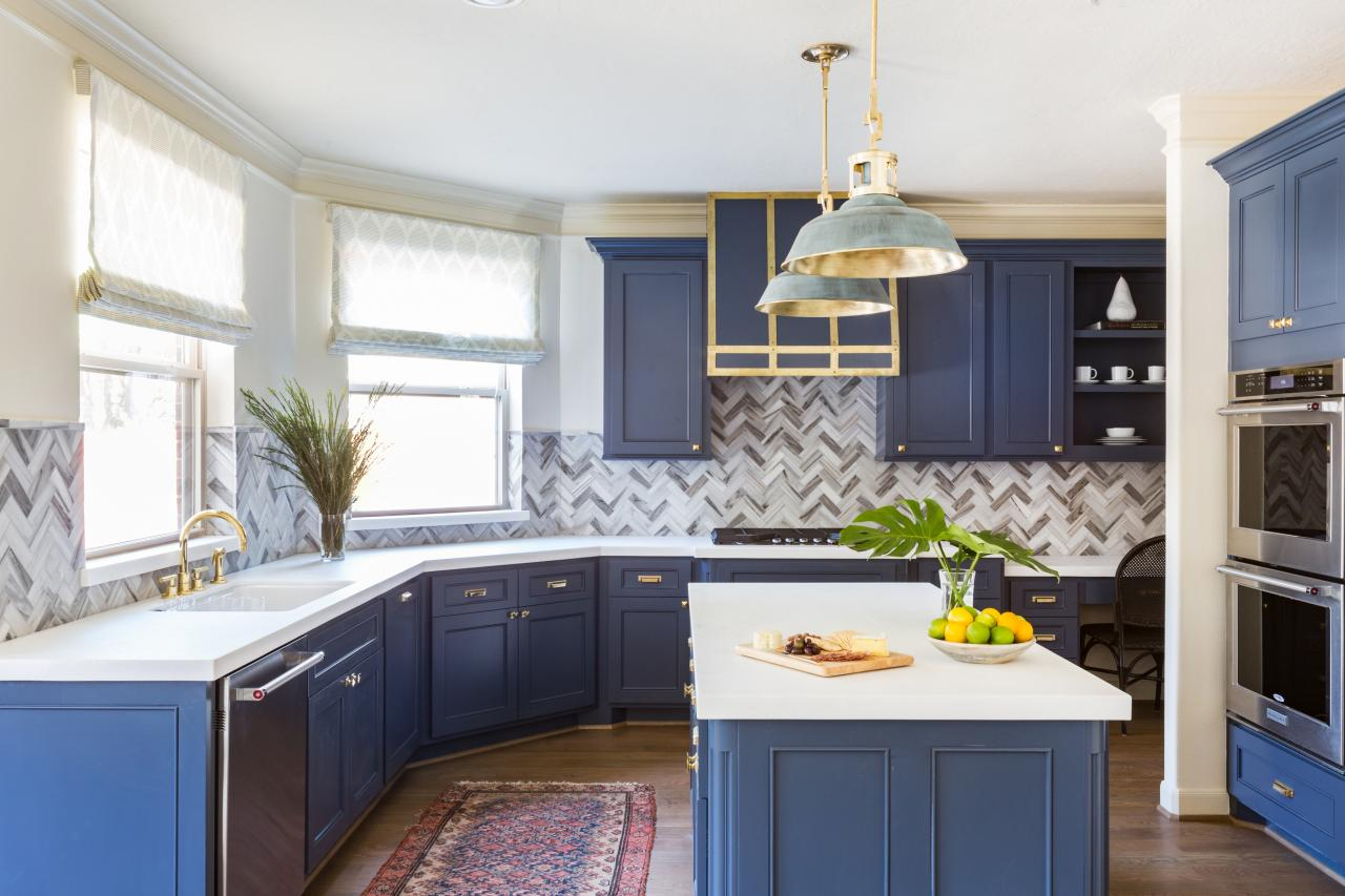 10 Blue-tiful Kitchen Cabinet Color Ideas | HGTV