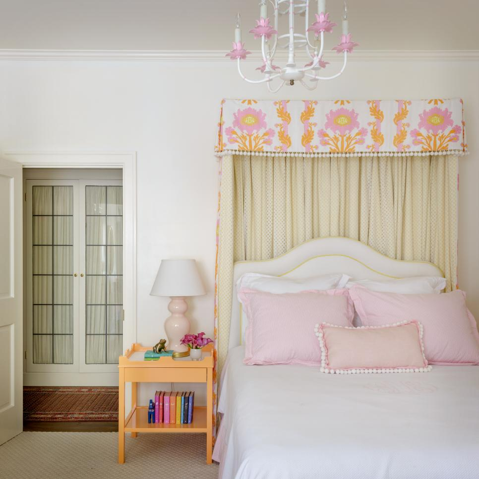 24 Canopy Beds We're Swooning Over