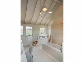 White Rustic Bath with Casual Elegance