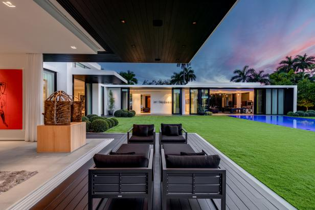 Contemporary Covered Patio