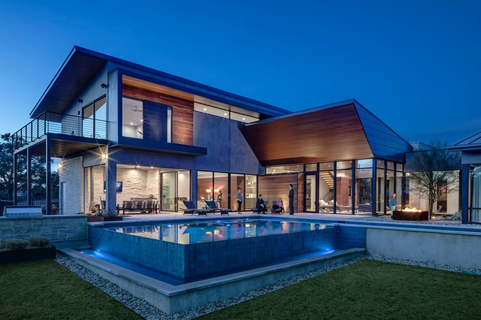 Modern Exterior and Pool