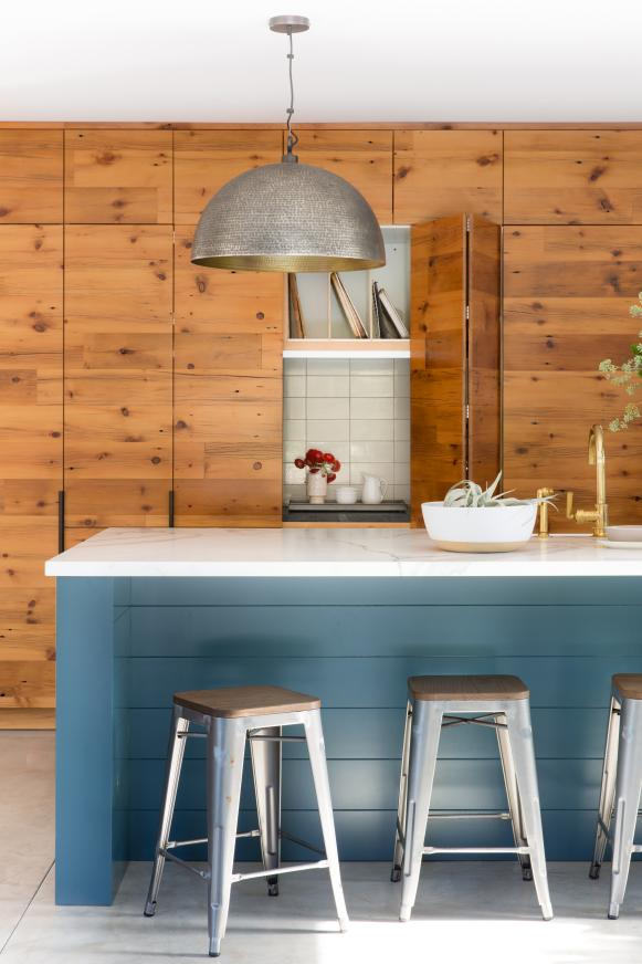 Transitional Eat-In Kitchen With Blue Island