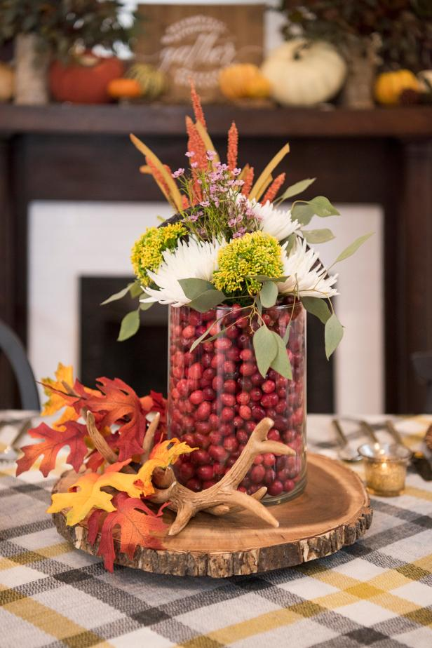 60 Easy Diy Centerpieces For Thanksgiving Our Favorite Fall Table Decorations Hgtv