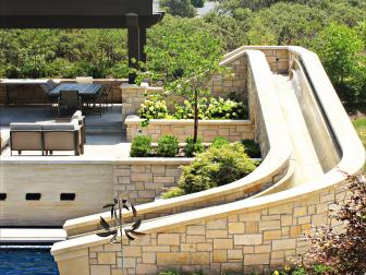 Slide Complements Swimming Pool