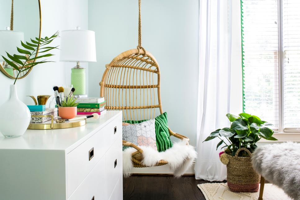 blue boho girls room with swinging chair