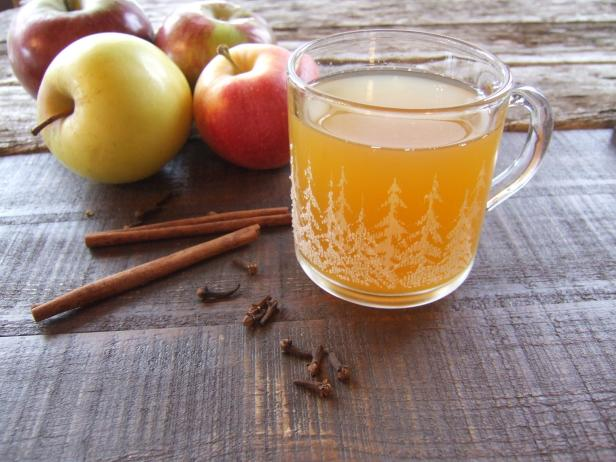 Apple Cider With Cinnamon Stick And Cloves