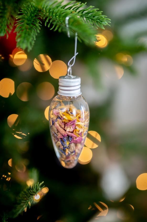 This double-duty ornament gift is filled with nasturtium seeds, topped off with dried flower petals for beautiful holiday decoration that any gardener would love.