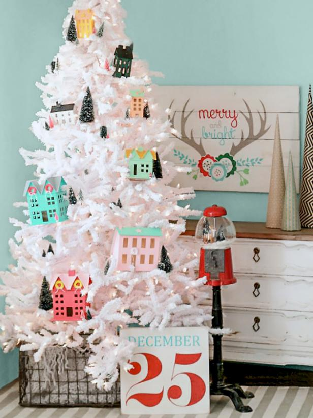 88 Beautiful Christmas Tree Decorating Ideas How To Decorate A Christmas Tree Hgtv