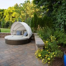 Outdoor Daybed With Retractable Canopy