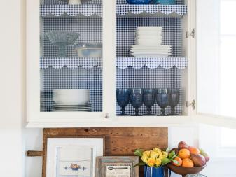 Charming Blue-and-White Cottage-Style Kitchen