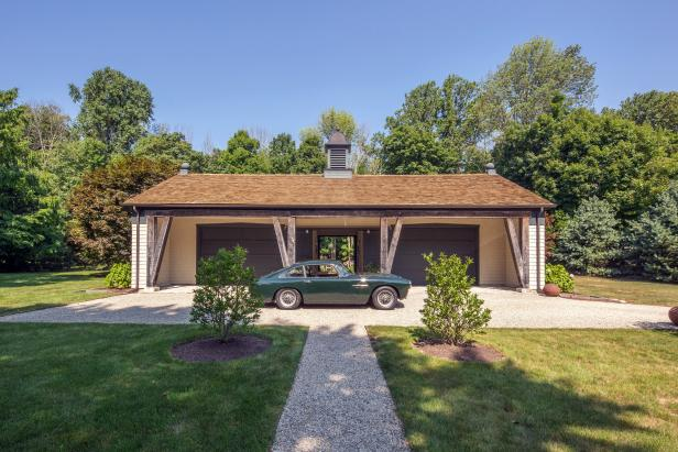 country-style garage