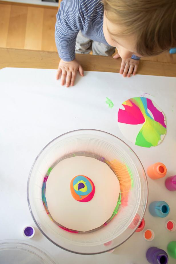How to Make Spin Art With Your Kids