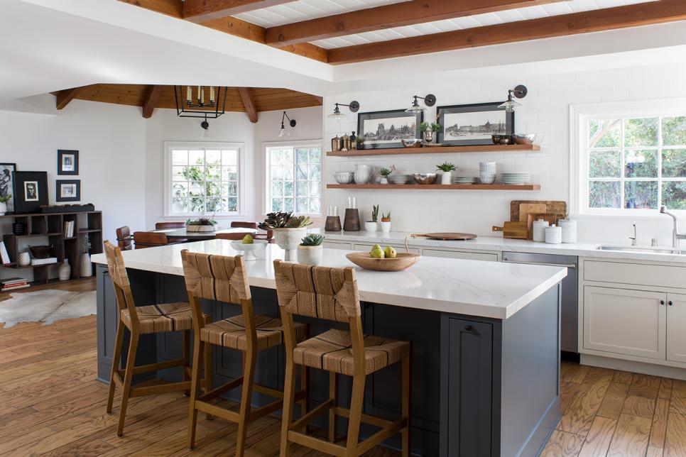 Tremendous Kitchen Island With Stools Hgtv Dailytribune Chair Design For Home Dailytribuneorg