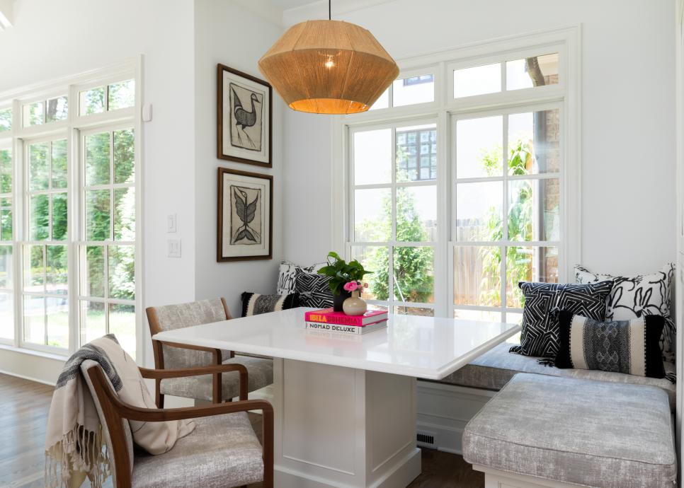 White Pedestal Table in Kitchen Breakfast Nook