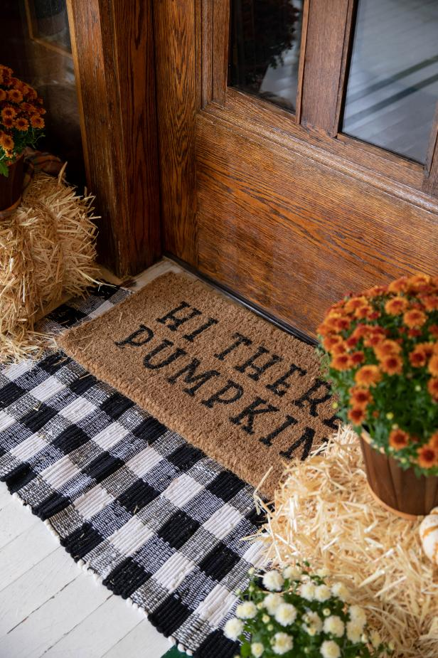 Layered Rugs on a Fall Front Porch