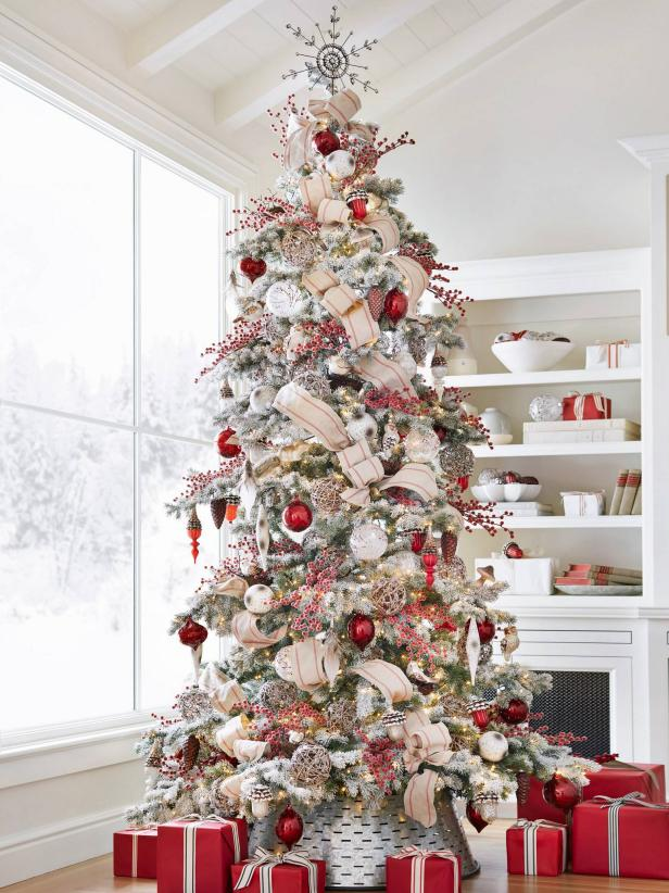 88 Beautiful Christmas Tree Decorating Ideas How To Decorate A Christmas Tree Hgtv