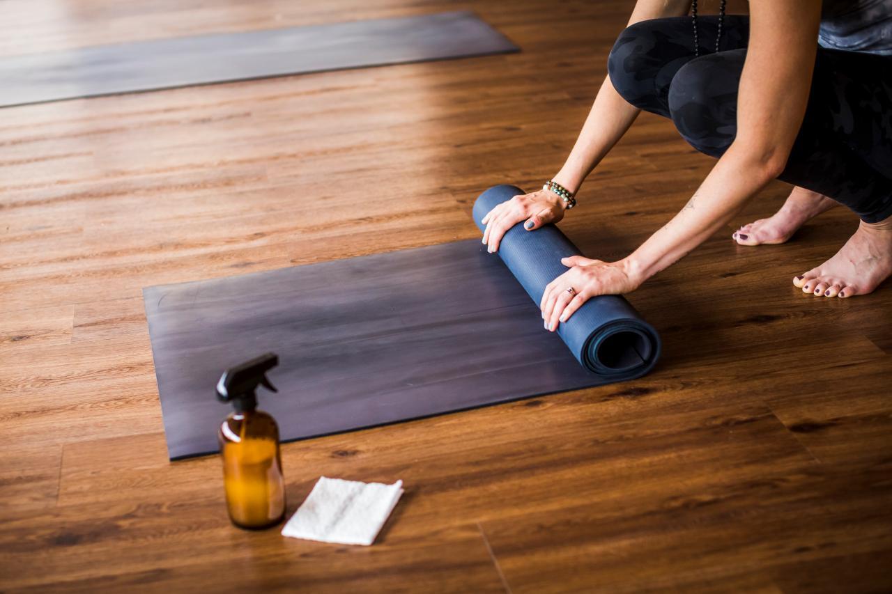Diy Yoga Mat Cleaner Spray Hgtv