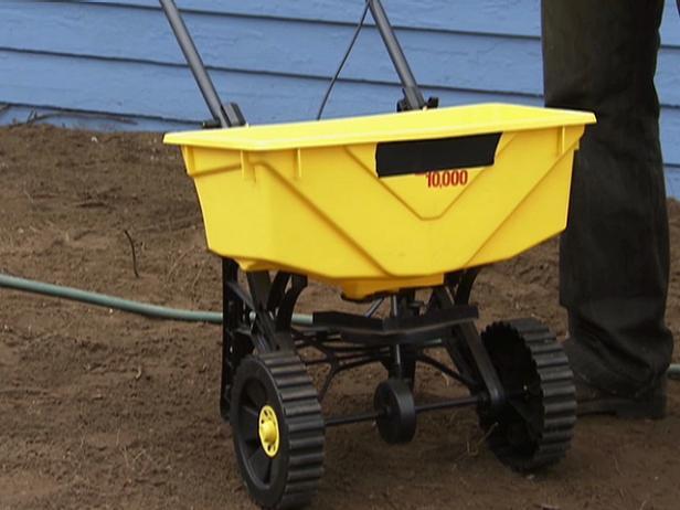 Fertilizer (Topper) Spreader Video