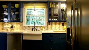 Navy Kitchen Cabinet Makeover