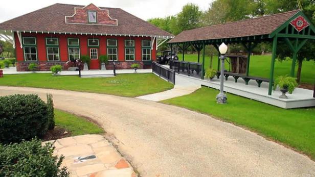 Popular Mechanics Sweepstakes >> Backyard Train Station Video | HGTV